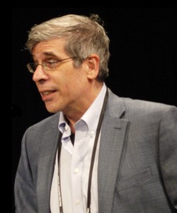Jerry A. Coyne (2013, foto door zooterkin als cc by-sa 2.0; aangepast door Kritischdenken.info)