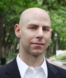 Grant is professor psychologie aan Wharton school. Hij is auteur van het boek 'Give and take' en doceert prosociale motivatie.