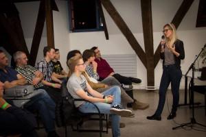Farah Fockquaert en haar publiek (foto: Gerbrich Reynaert)