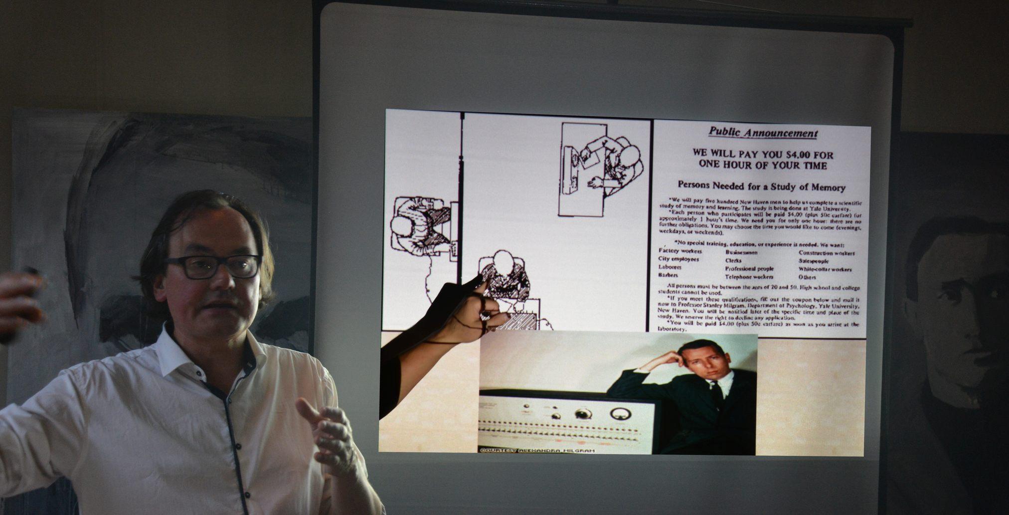 Johan Braeckman toont het Milgram experiment