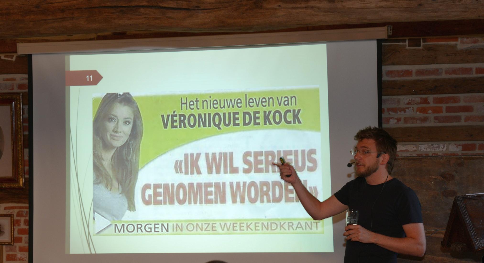 Brecht De Coene bij de voorstelling van zijn boek over complottheorieënBrecht De Coene bij de voorstelling van zijn boek over complottheorieën
