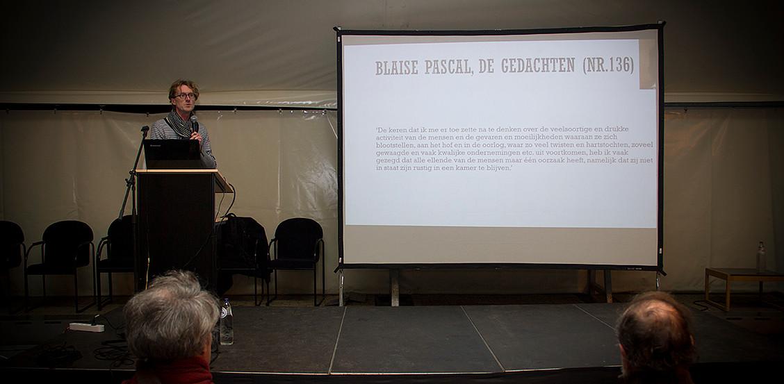 Ignaas Devisch op de nacht van de vrijdenker 2016 in Gent (foto: Gerbrich Reynaert)