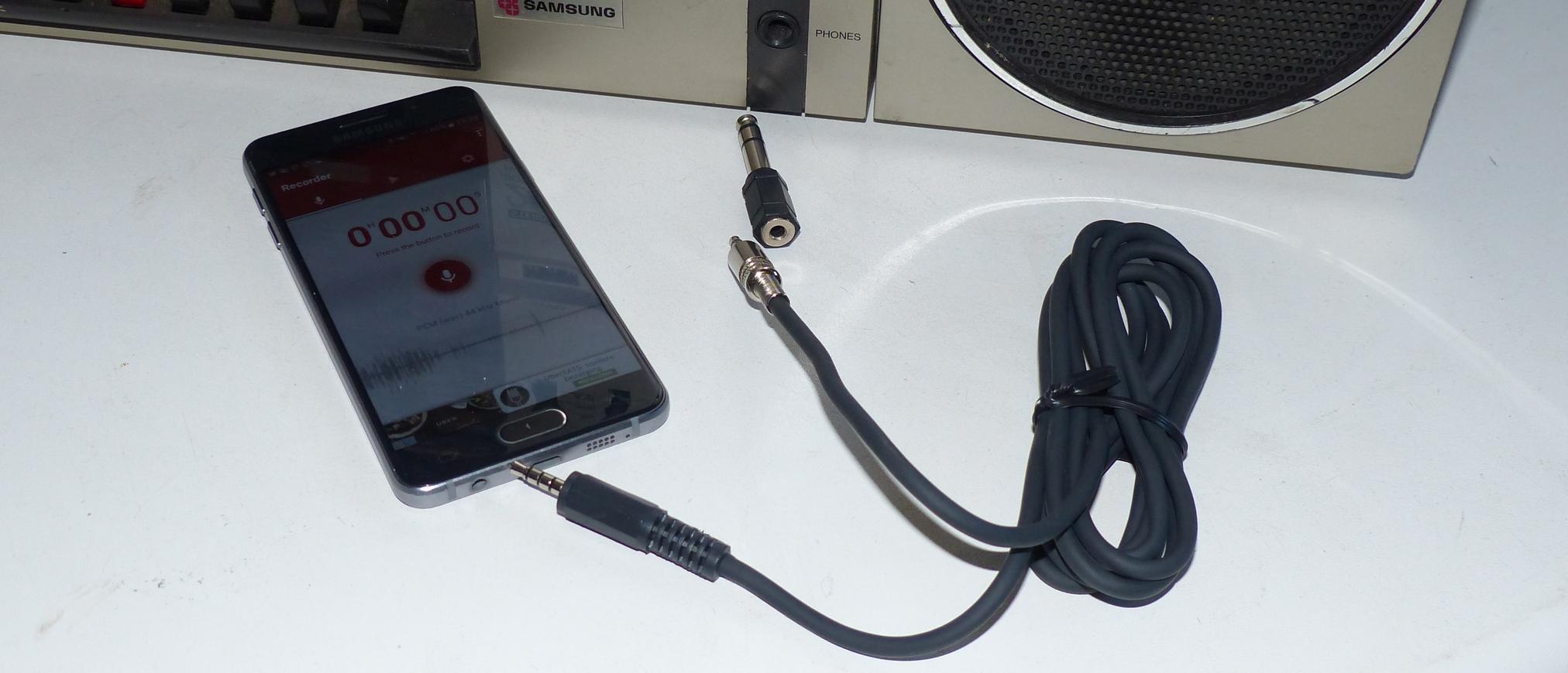 Een kabel om met Smartphone AUX uitgang op te nemen