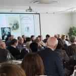Diner parlant: Met Darwin aan tafel: We zijn wat we eten – tussen brein, biochemie en betekenis. Geerdt Magiels
