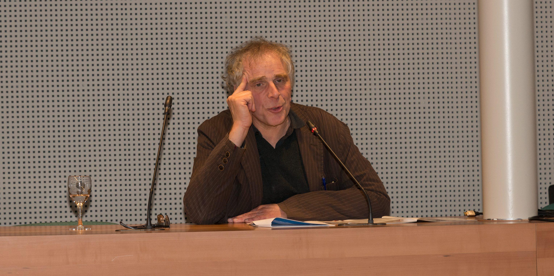Paul Deltour in het museum van de journalistiek Brussel tijdens de Skepp jaarvergadering. (Foto: Jozef Van Giel)