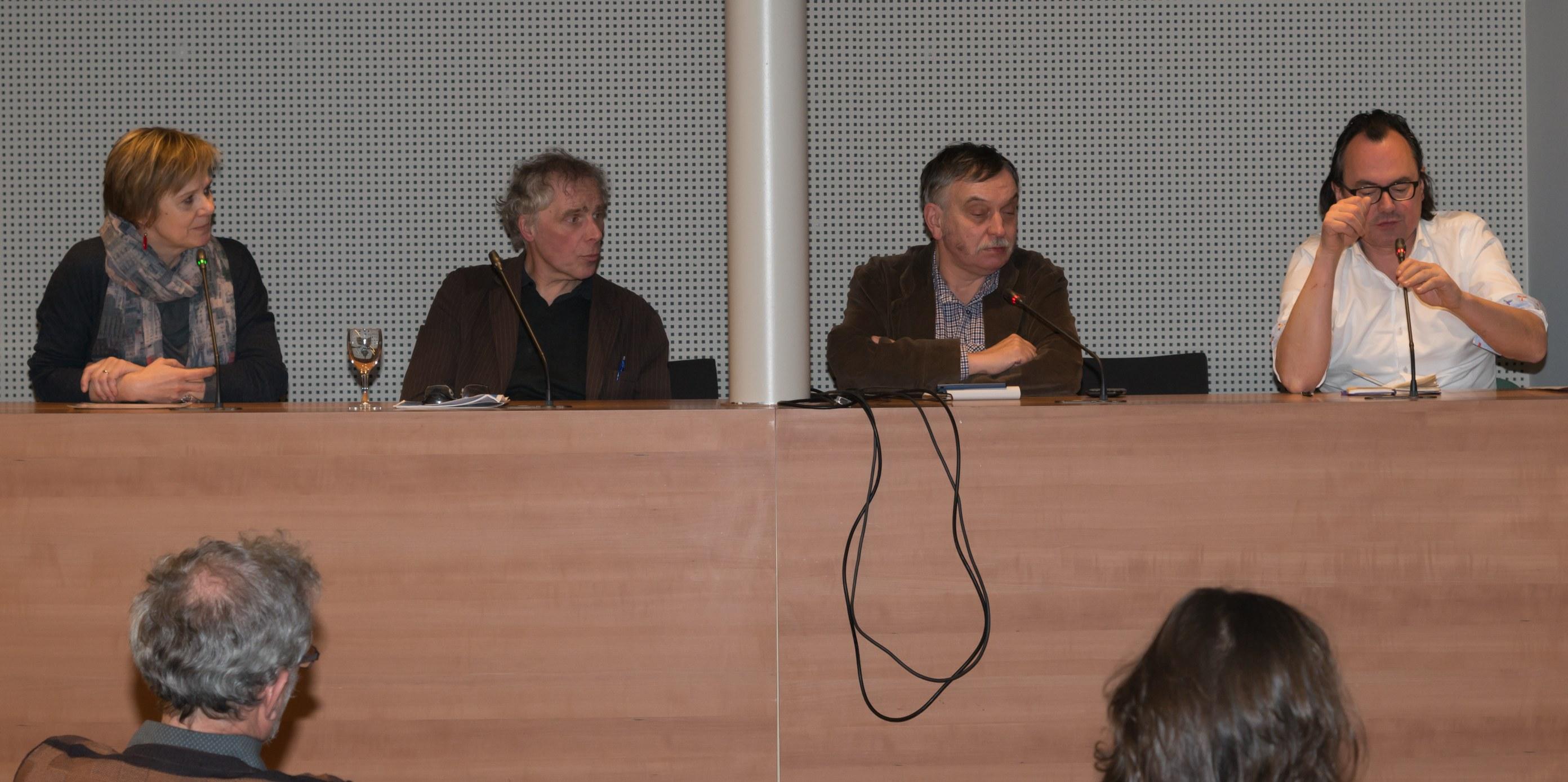 Debat over journalistiek met Marleen Finoulst, Paul deltour, Johan Braeckman, moderatie TIm Trachet bij Skepp (Foto: Jozef Van Giel)