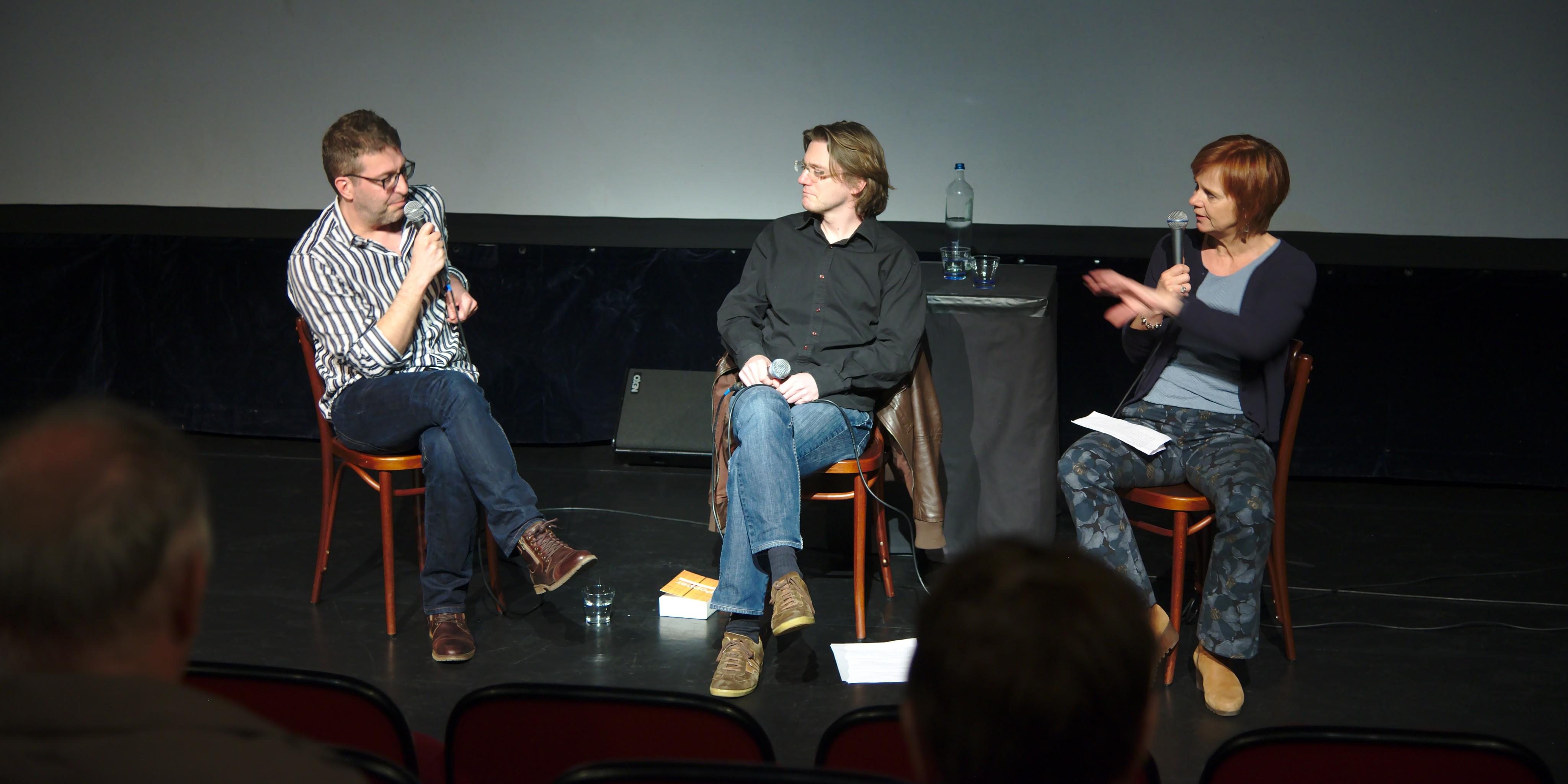 Frank Verhoft en Brecht Decoene worden over platte aarders geïnterviewd door Marleen Finoulst op DocVille (foto: Jozef Van Giel)