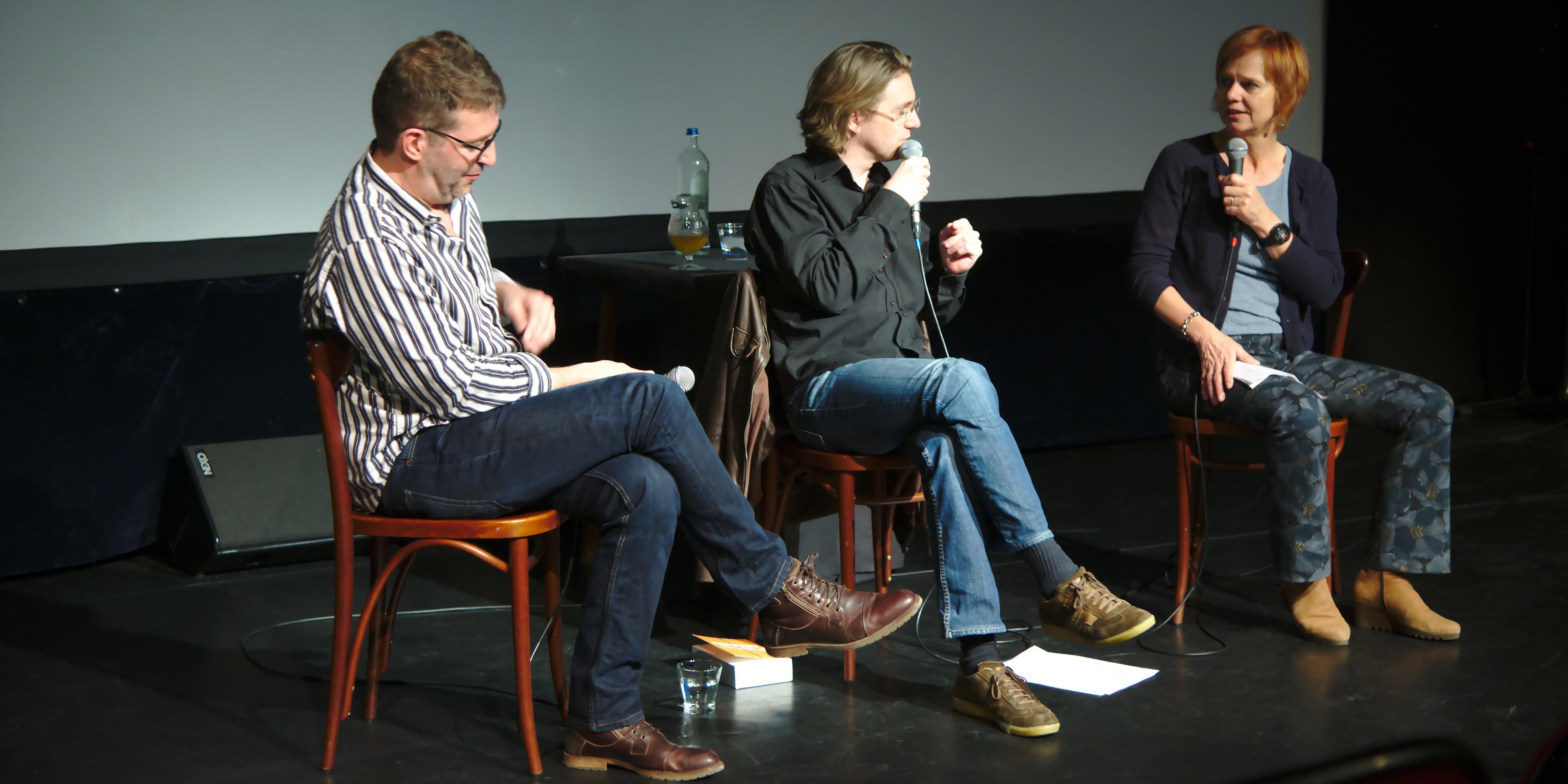 Frank Verhoft en Brecht Decoene worden over platte aarders geïnterviewd door Marleen Finoulst op DocVille